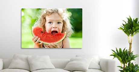 canvas print example child eats melon